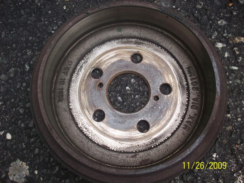 03866fa650ce9ec1b4029fd50dd4c5db  Removing, cleaning and adjusting rear drum brakes