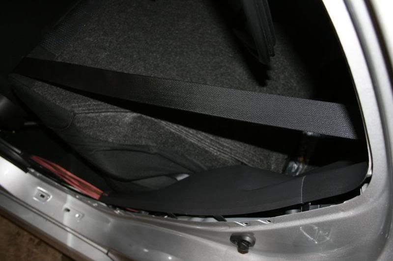 2baecbd4f1751ed27d8e63e6e6554c01  Rear Deck Removal/Rear Speaker Replacement