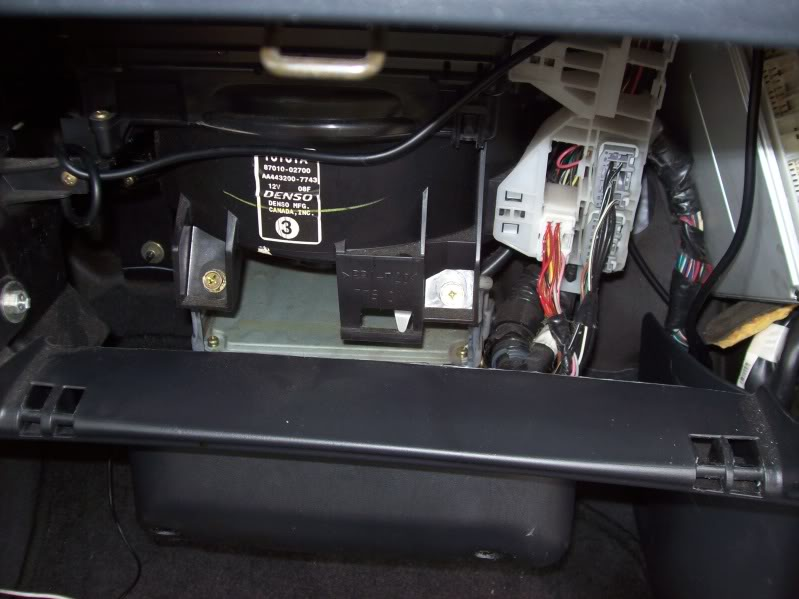 33b5fffac313d520428f8d9be503a2cf  Apexi Power FC on Corolla XRS (with Red-frau Harness)