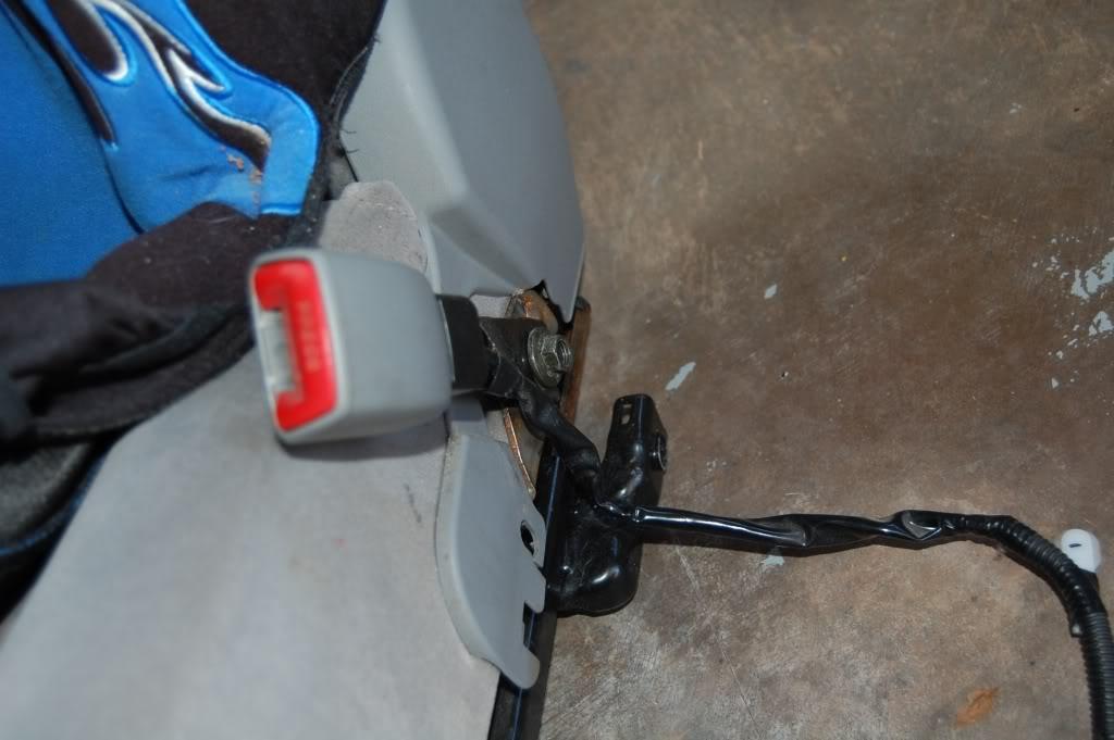 6c7d6abd7a6b7bb538cdc510c24ee83e  Installing Racing / Bucket Seats
