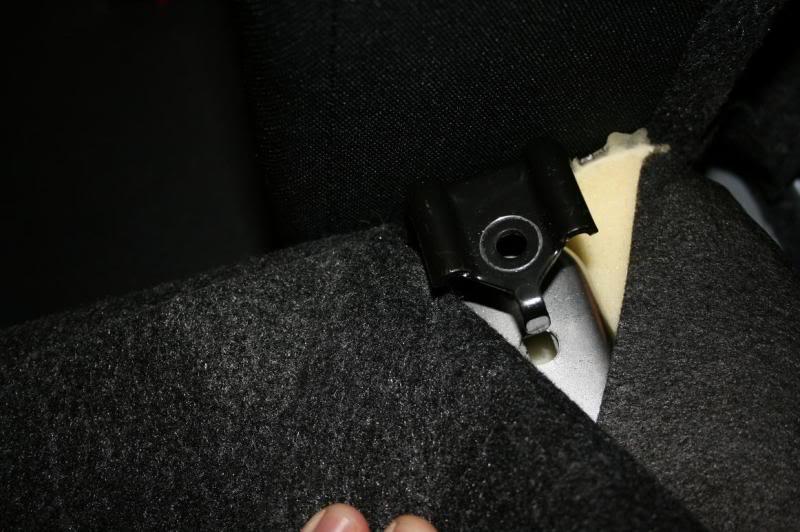 6eceac8de2cace7fa0f2784e90f88f75  Rear Deck Removal/Rear Speaker Replacement