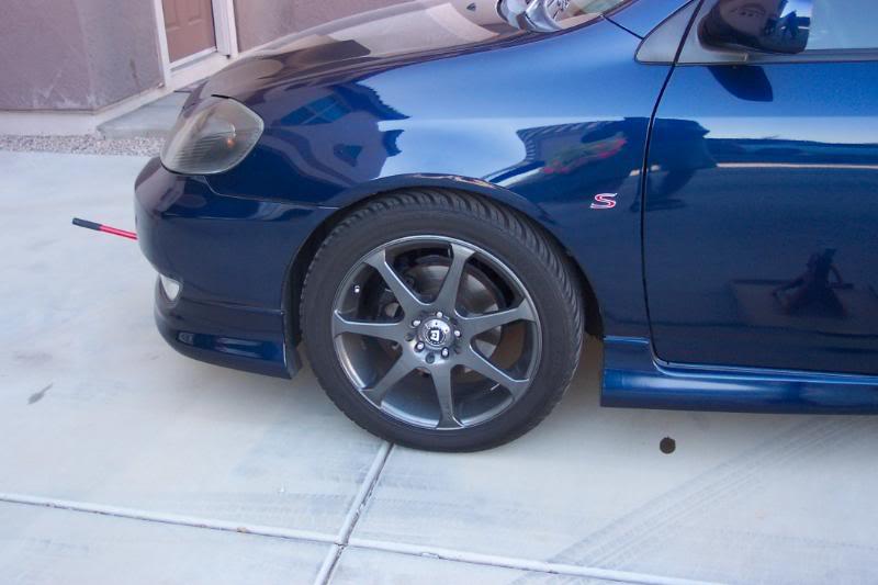 b9150cee2e1e42e5283544e0fdefd51d  Replace front brake pads
