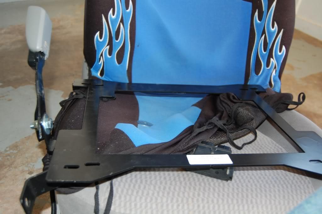 cd651fe84ead8b1014e151425fa79c8d  Installing Racing / Bucket Seats