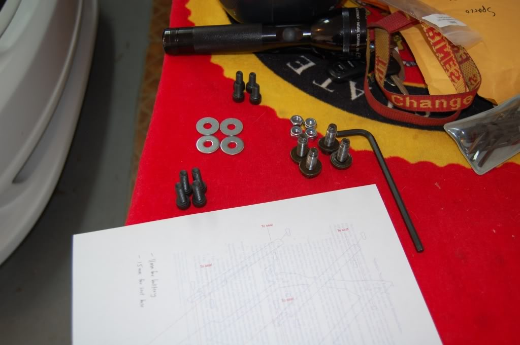 e02818eb1c39da1dff48c63173f123c3  Installing Racing / Bucket Seats