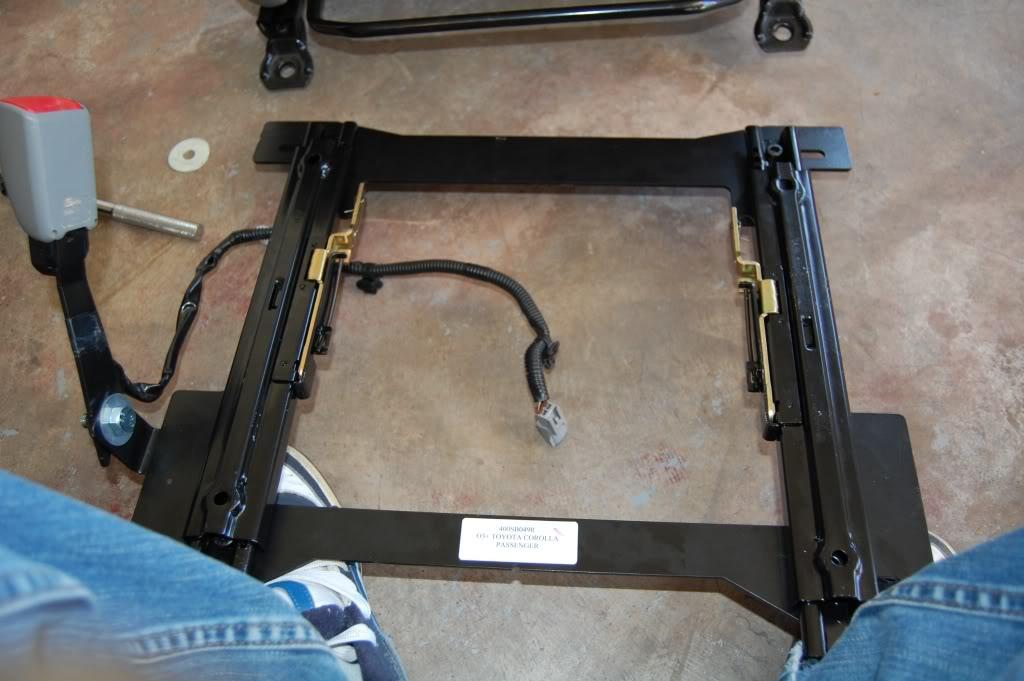 e3a964f604c8b2930f1a1de5e58795e4  Installing Racing / Bucket Seats